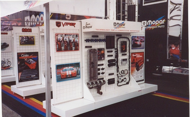 Aluminum Automotive Parts Display Storage For Race Trailers