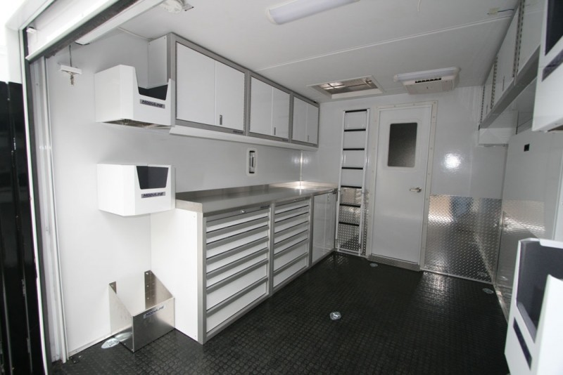 Genial Delicieux Fun Mover With White Moduline Lightweight PROII™ Aluminum Cabinets