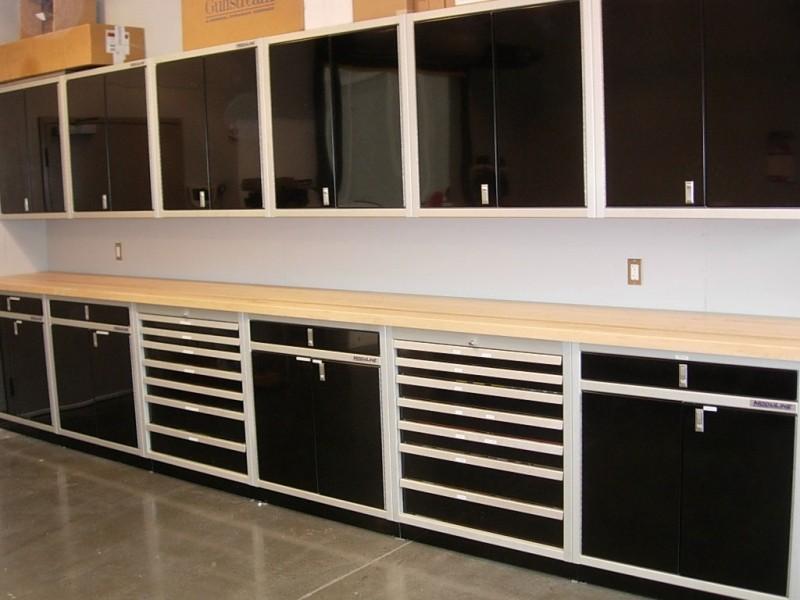 Etonnant Signature Black Moduline Aluminum Cabinets In Airplane Hangar