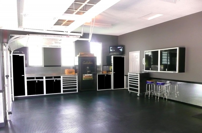Dream Garage Workshop with Cabinet Systems