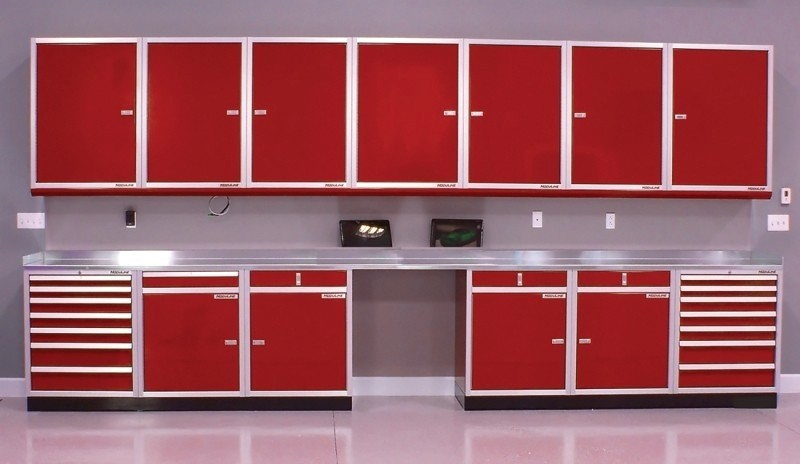 Countertops for Aluminum Cabinet Systems in Workshops